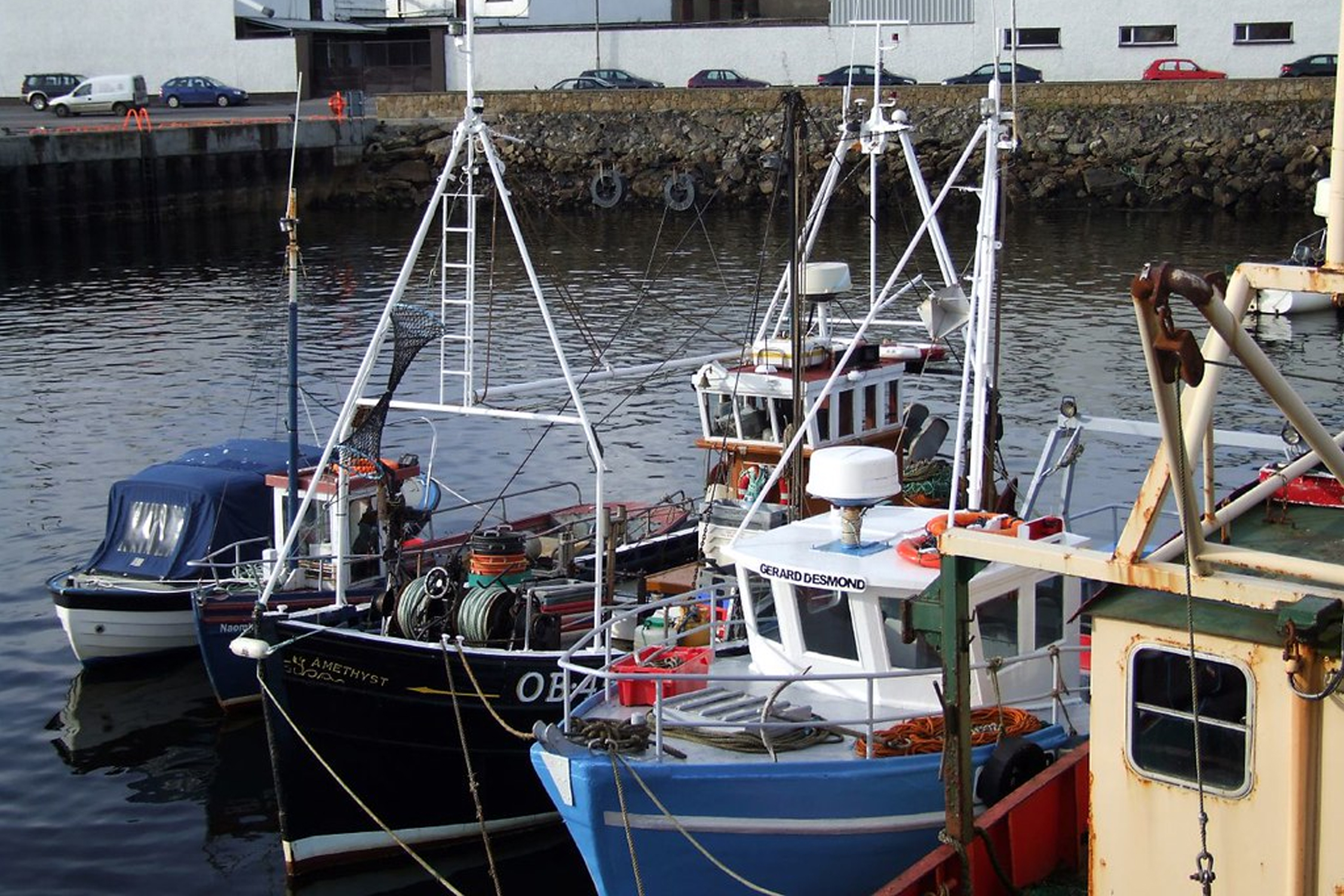 Oban fishing boats in the harbour